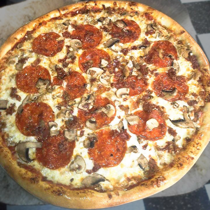 Itappalachian Meat Mountain Specialty Pizza